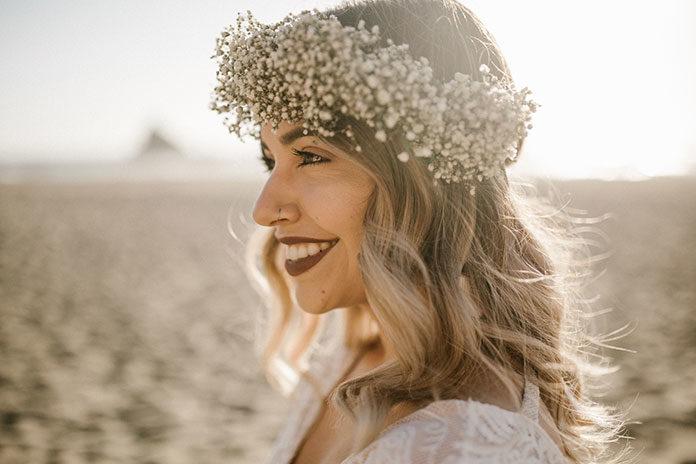 Klasyczna suknia ślubna – naturalność i prostota w modzie ślubnej