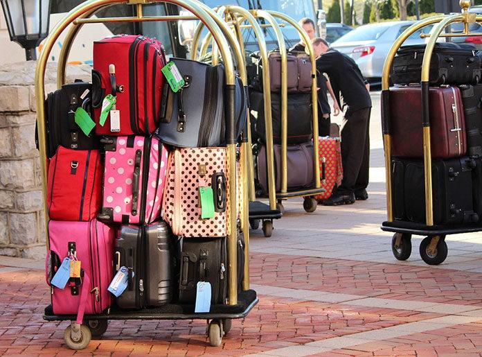 Walizka podróżna na kółkach - na co zwrócić uwagę przy zakupie?